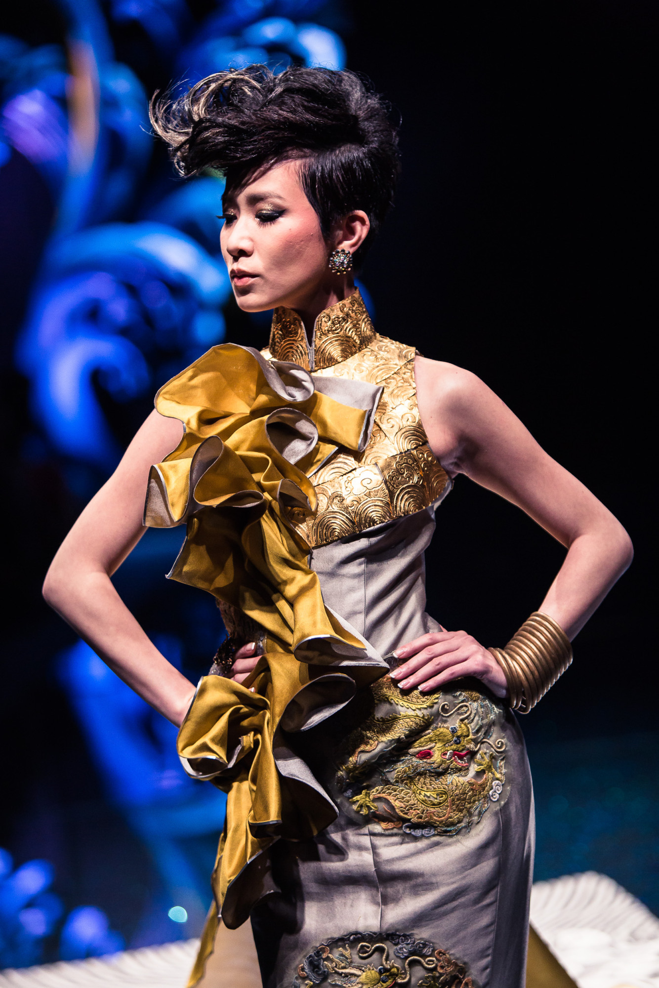 d28891477 Guo Pei interpretate the modern and luxury Qipao