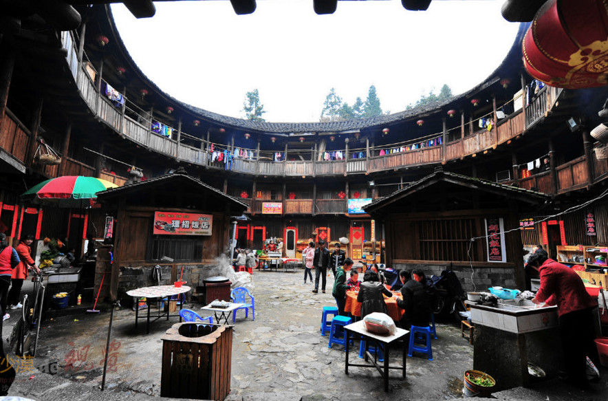 Tulou-02-Cr.Zhenchang-Lou