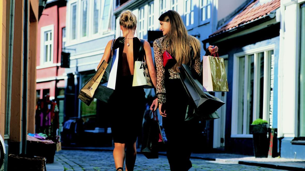 shopping-to-kvinder-fhmpakistan